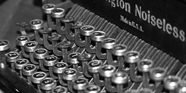 typewriter-700x350